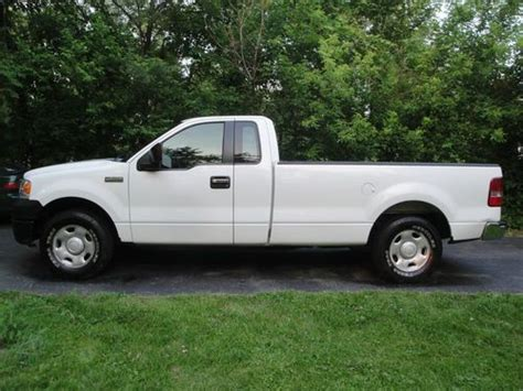 Purchase used 2006 Ford F150 XL 2 WD 8 Foot Bed/Box AC