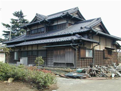 taka s japanese blog traditional japanese housing 海外の反応ブログ 外国人 昔の日本家屋は紙でできてるように見えるけど雨は大丈夫なの 海外反応