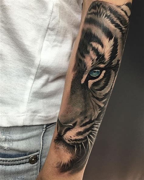 tiger arm tattoo best 25 tiger ideas on tiger