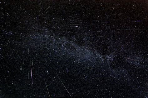 Perseid Meteorite Shower by Perseid Meteor Shower Set For Its Best Show In Nearly 20
