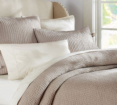 Sound Deadening Quilt by 17 Best Images About Taupe Bedroom On Taupe