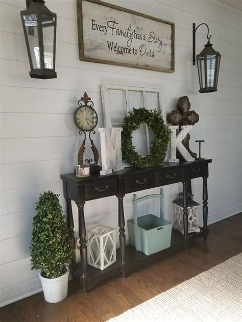 How To Decorate Entrance Table