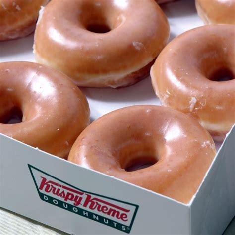 krispy kreme donuts mile traffic jam for scottish branch of