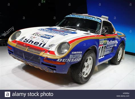 porsche 959 rally paris dakar rally stock photos paris dakar rally stock