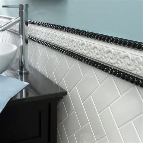 bathroom tile trim ideas 8 stylish bathroom tile ideas