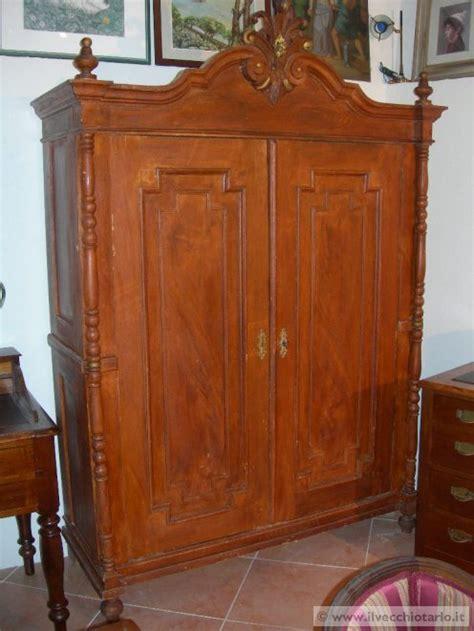 armadi antichi 800 armadio antico 800 vendo armadio arredamento