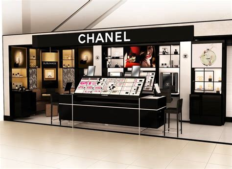 chanel  open  beauty shop  saks  avenue