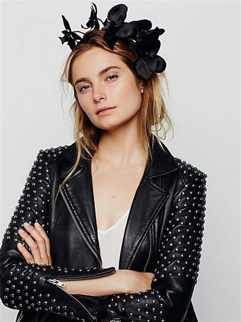 Buy 1 Get 1 Mukena Tatuis Tiara 258 Free Damour 060 Tiaras Fashion Crowns Headpieces For Free
