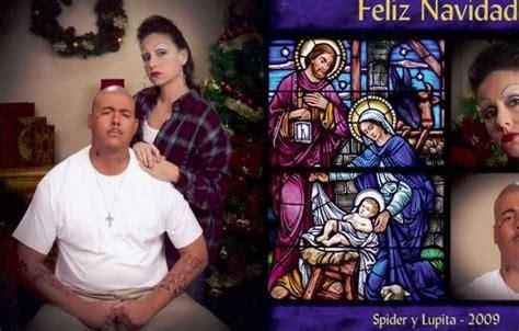couples  awkward christmas card      day