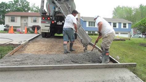 How To Make A Cement Patio by How To Pour A Concrete Driveway