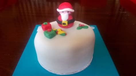 Christmas Cake ? Santa Claus is Coming to Town ? Cakes by