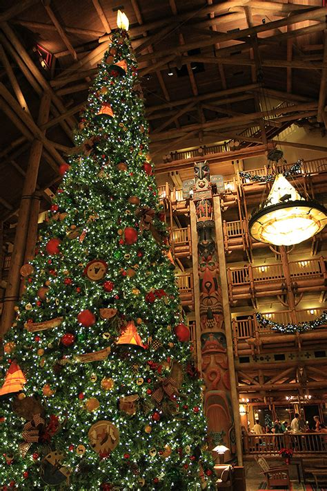 wilderness lodge resort holiday decorations 2009 photo 7