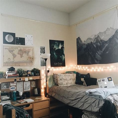 guys room best 25 rooms ideas on guys college dorms room essentials and college