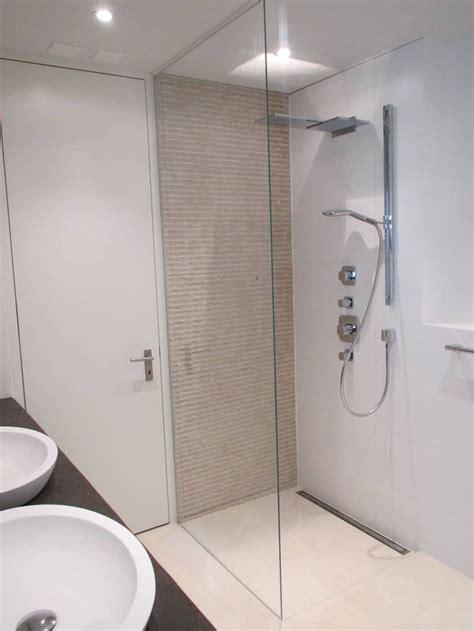fertige badezimmer ideen die besten 25 begehbare dusche ideen auf