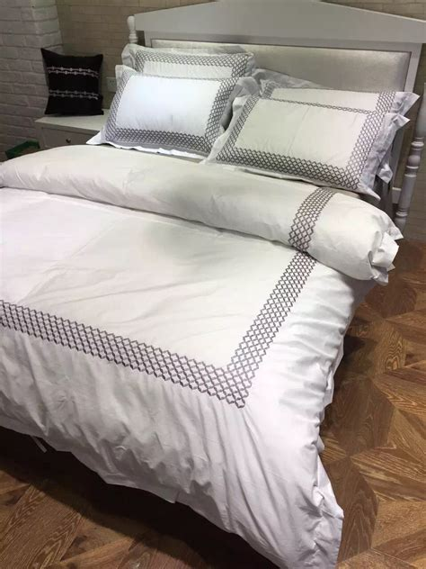 White Hotel Bedding by 100 Cotton 4pcs 60s Sateen White Embroidered Hotel Duvet