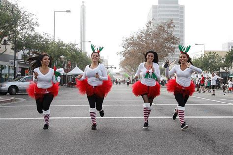 3 festive holiday runs in seattle