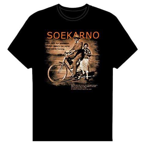 T Shirt Pria Ir Soekarno kaos soekarno sang proklamator pusaka dunia