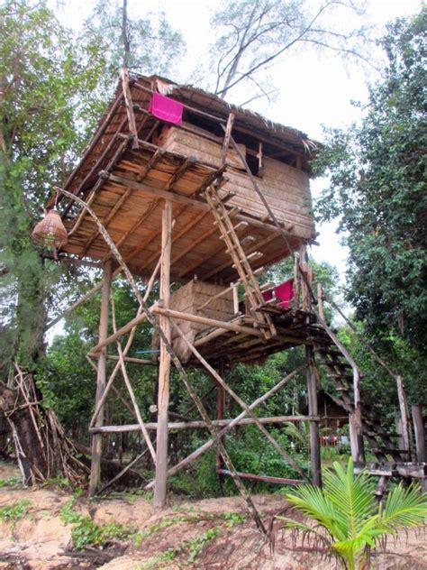tree house plans on stilts 17 fun looking tree house on stilts ideas