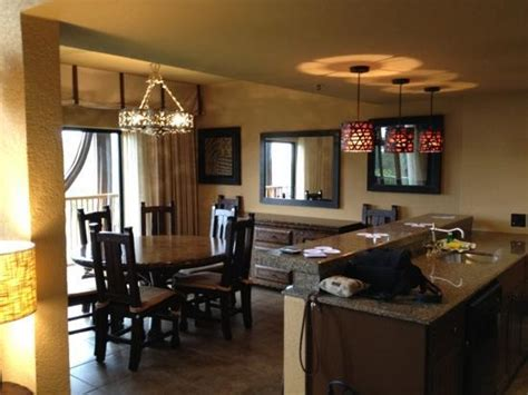 the disney diner value resorts 2 rooms or a family suite dining and kitchen picture of disney s animal kingdom