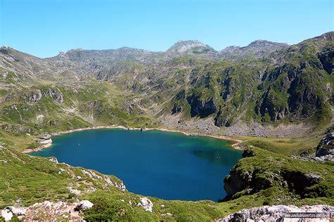La Lago by Los Lagos De Monta 241 A De La Pen 237 Nsula Ib 233 Rica Que Querr 225 S