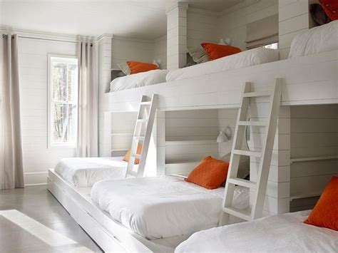 bedrooms with bunk beds 25 best ideas about bunk bed rooms on pinterest bunk