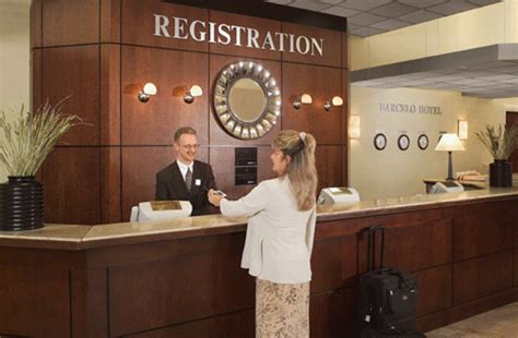 front desk officer front desk 1 ms3304 hospitality management