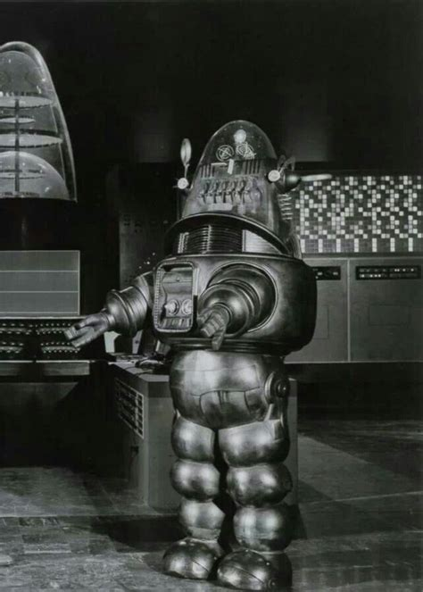 the genuine 7 foot robby the robot hammacher schlemmer as 25 melhores ideias de robby the robot no pinterest