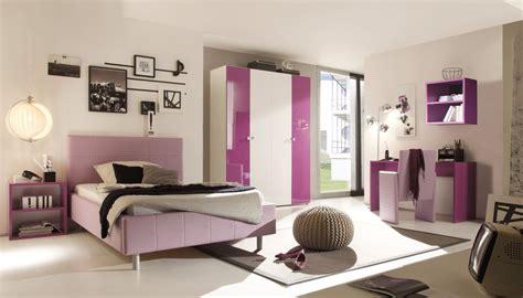 jugendzimmer einrichtung modern trendiges schlafzimmer in lila hochglanz aus italien