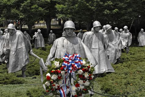 War Veteran Essays by U S Department Of Defense Photo Essay