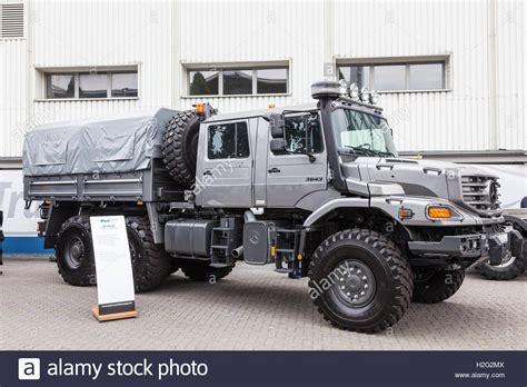 mercedes pickup truck 6x6 mercedes benz zetros 6x6 crew cab truck s rock crawlers