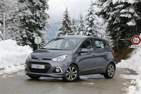 Hyundai Car Reviews by Hyundai I10 Review Photos Caradvice