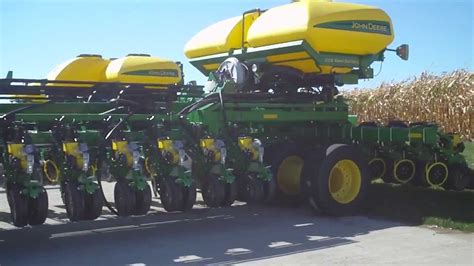 Worlds Largest Planter by Deere 54 Row Planter Worlds To Date