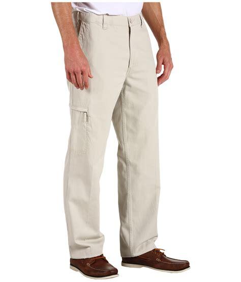 dockers d3 comfort waist cargo pants dockers men s comfort cargo d3 classic fit at zappos com