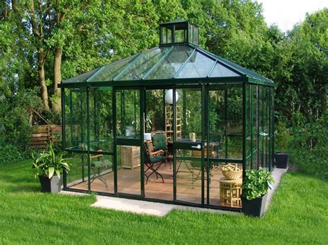 backyard middle east 25 best ideas about modern greenhouses on pinterest