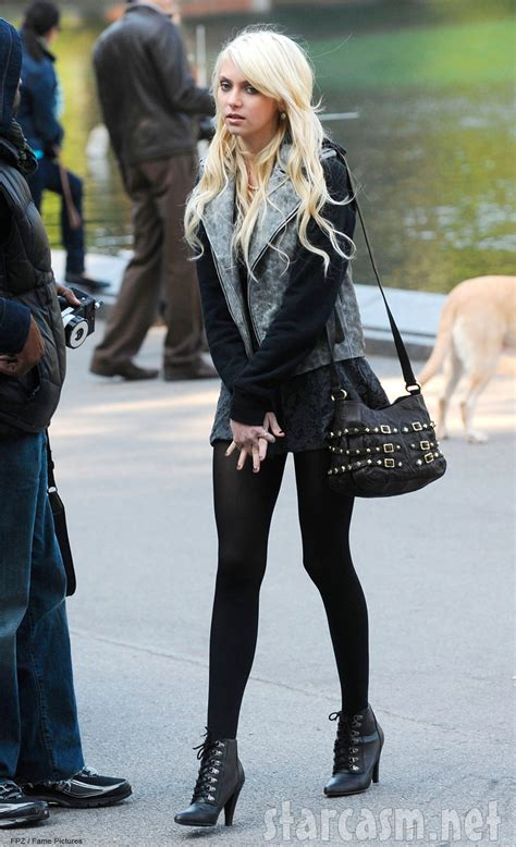 taylor momsen jenny humphrey photos kevin zegers makes his gossip girl debut with