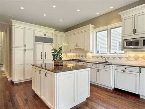 sherwin williams antique white kitchen cabinets antique white kitchen cabinets lighting