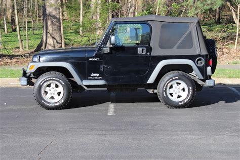jeep wrangler sport tire size 2004 jeep wrangler stock tire size 28 images anybody