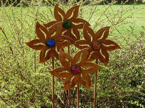 Gartendeko Aus Holz Und Eisen by Edelrost Gartendekoration Gartendeko Blume Eisen