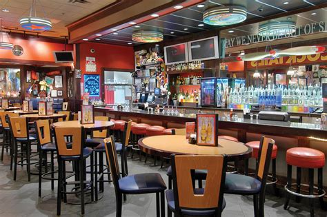 Tgi Fridays Kitchen Hours by T G I Friday S Restaurant In Las Vegas Nv The Orleans