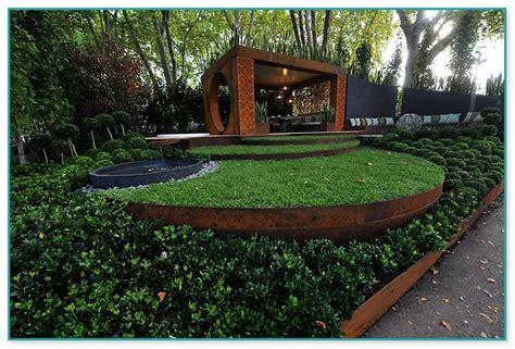 stone edging  garden beds