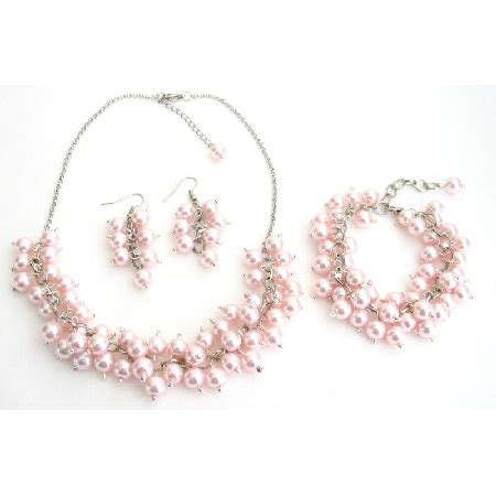 Sogt Pearl Sett bridal set chunky pearl soft pink pearls necklace earrings