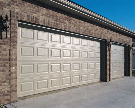 Standard Garage Door Size by 25 Best Ideas About Standard Garage Door Sizes On