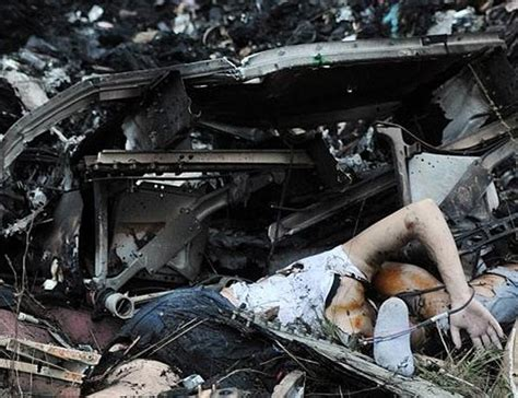 malaysia airlines mh 17 crash photos malaysia airlines flight mh17 crash report page
