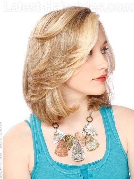 feathered haircuts for faces 25 best ideas about feathered hairstyles on pinterest