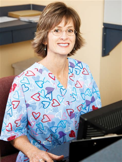 do you know what an administrative medical assistant does