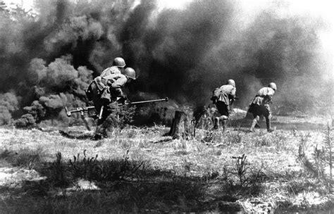 world war ii dkfindout 0241285143 ii мв восточноевропейский фронт история мир в фотографиях день за днем