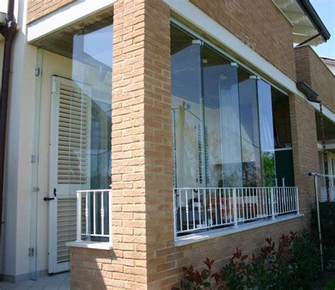 chiusura terrazzo con veranda pareti in vetro sistemi ad impacchettamento vetreria a