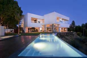Designer Luxury Homes by California Modern Luxury Residence Nightingale Drive