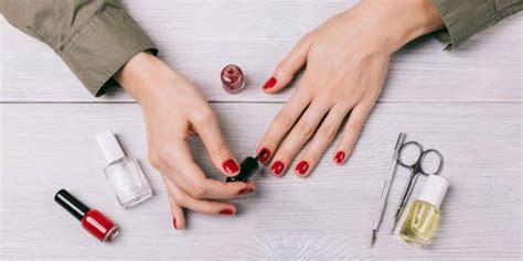 tavolo per fare le unghie 1001 idee per unghie a mandorla la trend momento