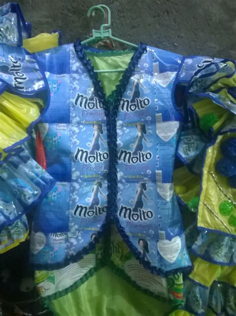 desain baju daur ulang plastik daur ulang jambangan tris flower baju daur ulang